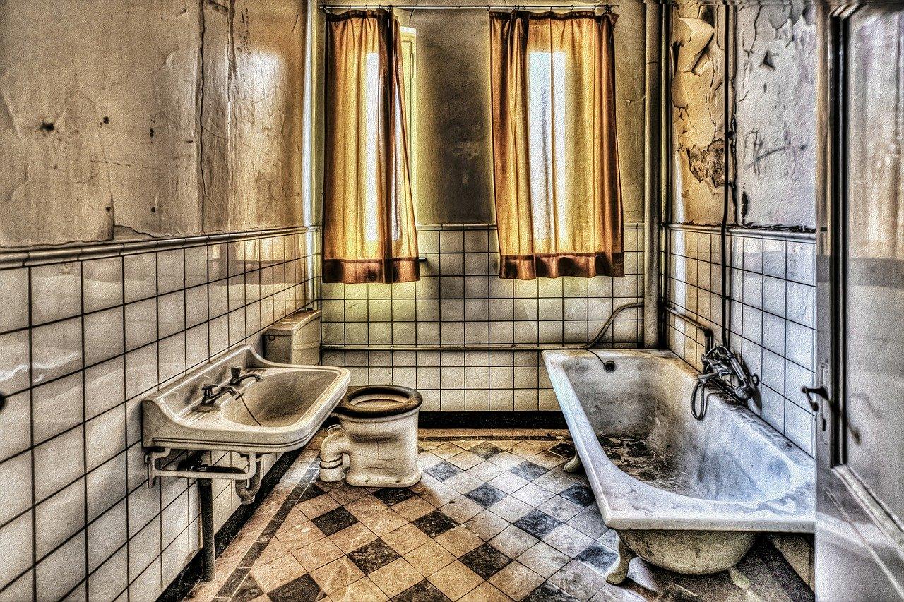 Comment nettoyer les moisissures des plafonds de salle de - Nettoyer moisissure salle de bain ...